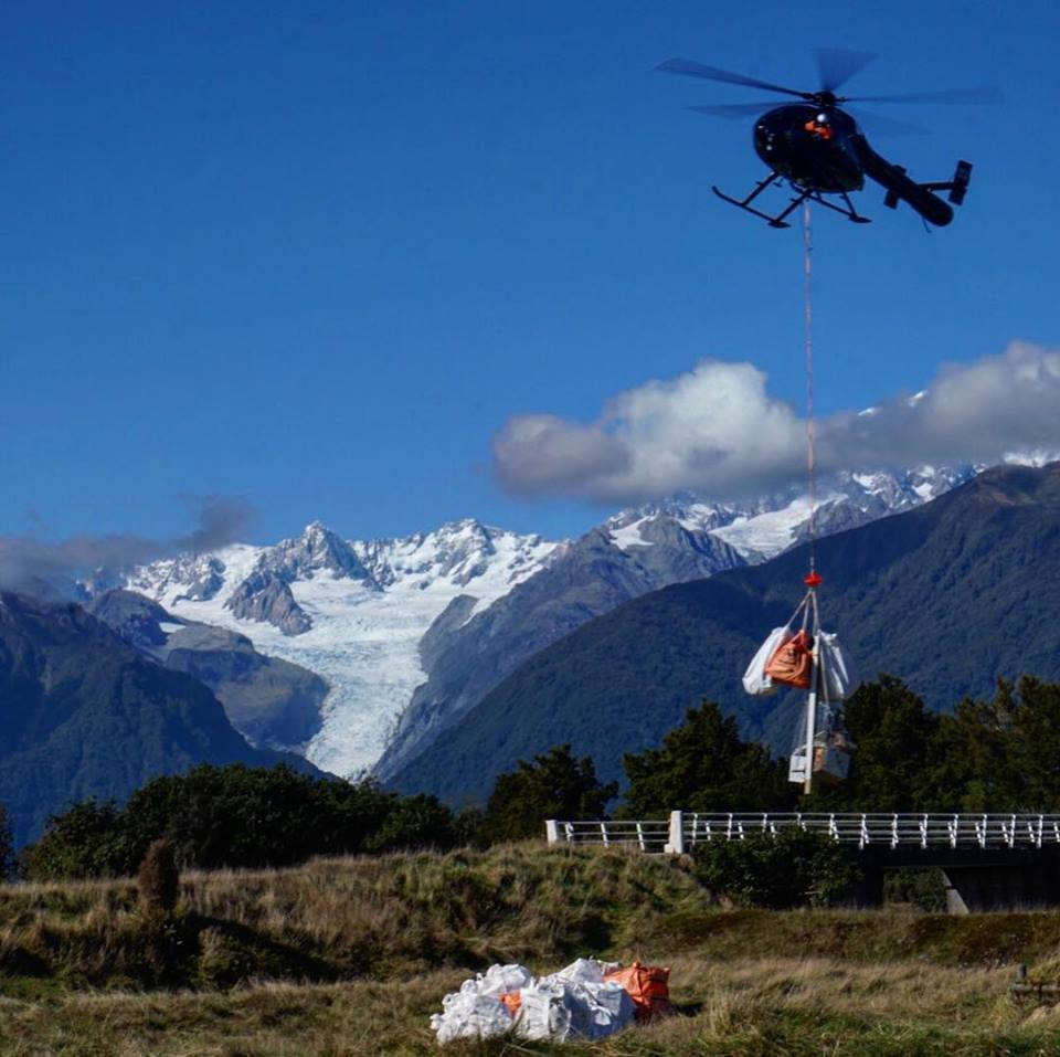 Supplier Glacier Country Helicopters helps West Coast cleanup efforts